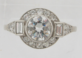Beautiful Art Deco Design Platinum 1.10 Carat Center Diamond Engagement Ring