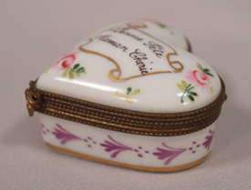 Beautiful Heart Shaped Vintage Limoges Hand Painted Floral Decorated Pill Box