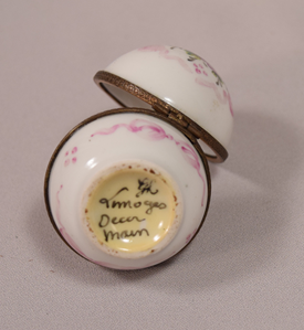 Beautiful Vintage Round Limoges Hand Painted Pill Box